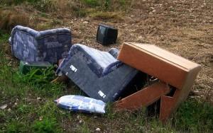 川口市不用品回収不法投棄